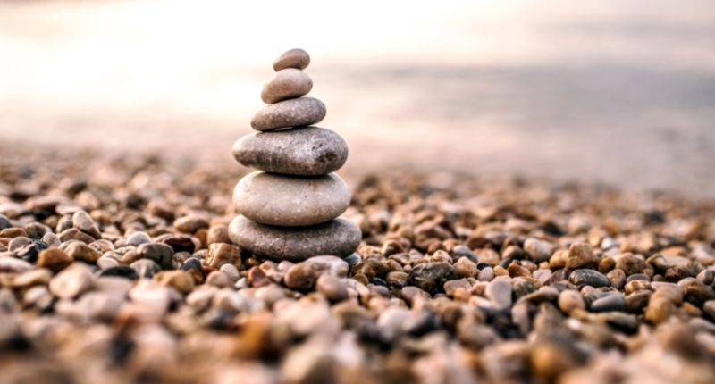 holistic_therapy_stones