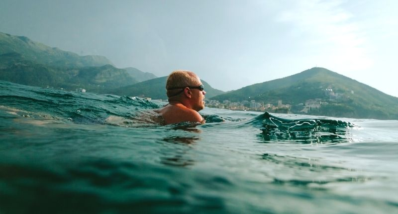 What are the benefits of sea swimming